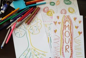 Double doodle play – draw with both hands