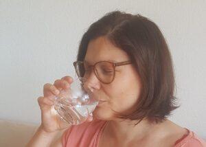 Read more about the article AUGMENTER votre énergie en buvant de l'eau
